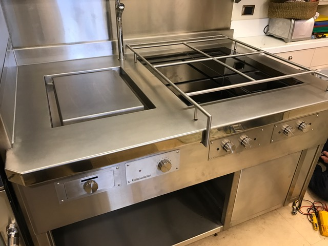 Induction suite plancha hobs