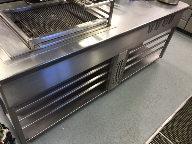 Induction cooking suite without panels