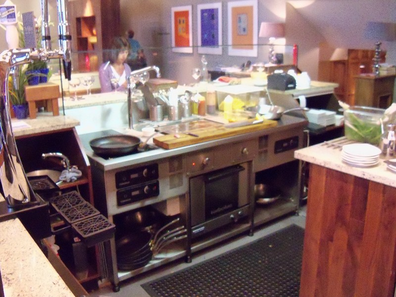 induction_cooking_suite_at_the_mailbox_isle_of_man_800x600.jpg
